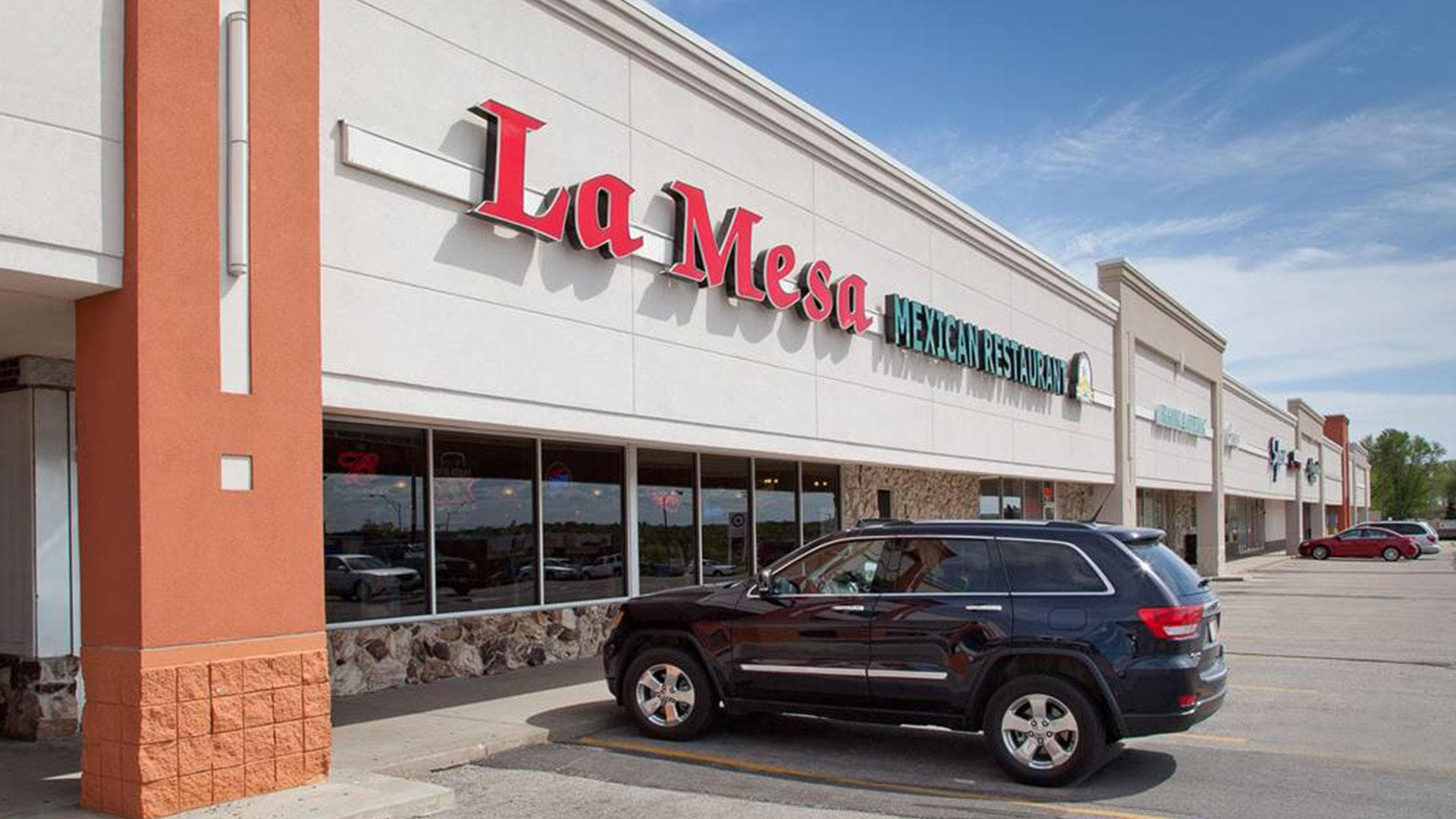 La Mo Restaurant Hours